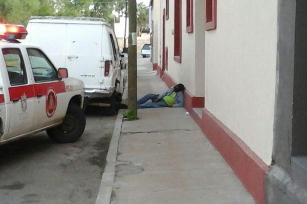 Encuentran a un hombre muerto en la avenida Centenario