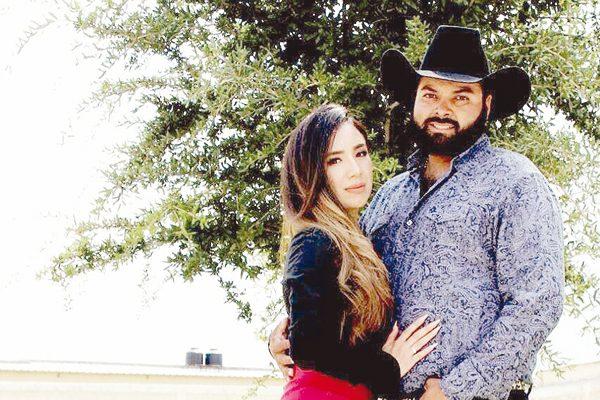 Anuncian su compromiso Patricia Domínguez y Jesús Fierro