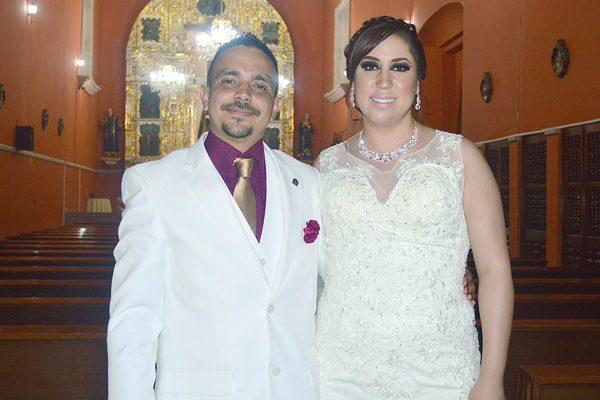 Elegante enlace matrimonial de Laura García y Raymundo Silva