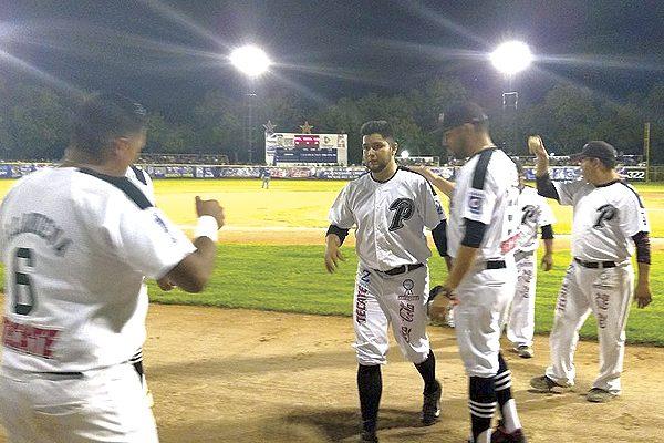 Parral se adelanta en semifinales del estatal de beisbol