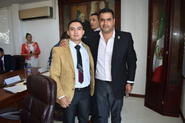 El Alcalde, Alfredo Lozoya, pidió al Cabildo Juvenil encabezar cada una de las propuestas presentadas