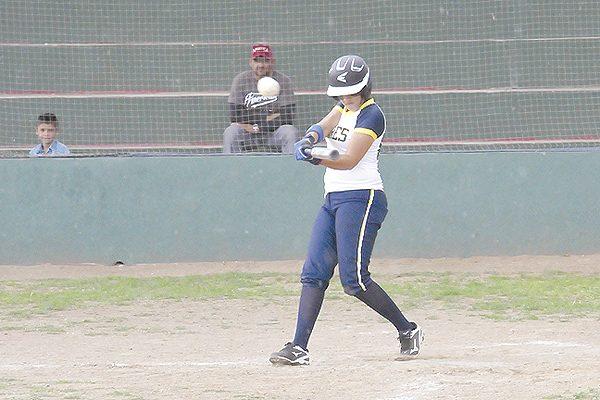 """Apalean las """"Tigrillas"""" de la Prepa López Velarde en softbol femenil"""