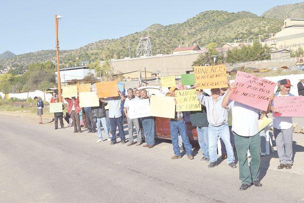 Miente Alcalde de Santa; no nos ha apoyado: ex mineros