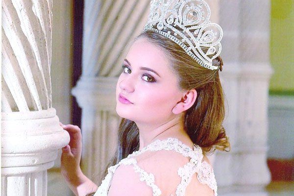 Conoce a la Reina de Reinas, Leslie Medina