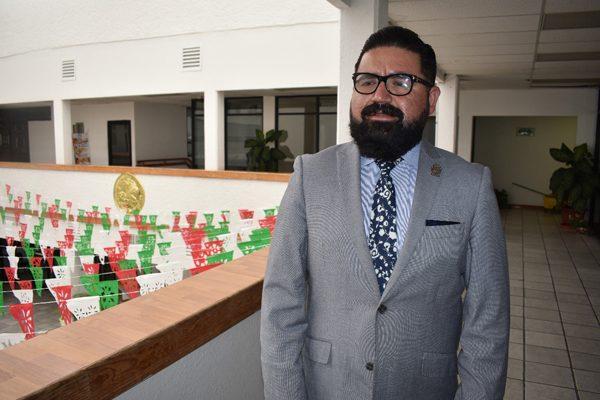 Firman convenio Presidencia y  Héctor Chávez para reabrir casa de cambio