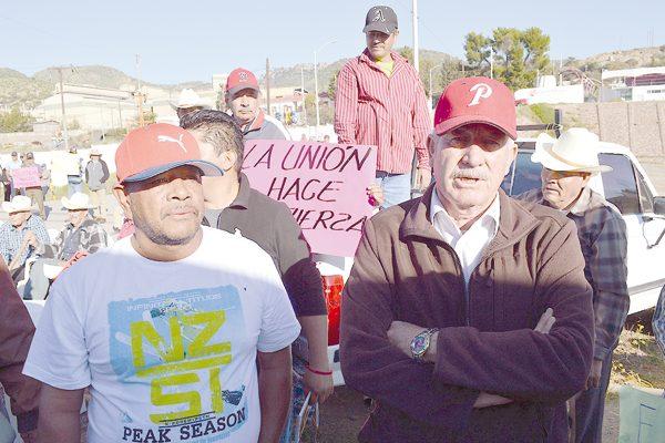 Lamentan ex mineros nulo apoyo del Alcalde en Santa Bárbara