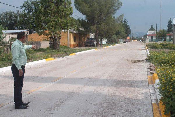 Concluyen obra de pavimentación en El Terrero, municipio de Balleza