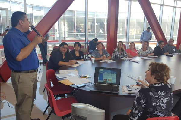 Capacitan a 55 asesores del Ichea de 9 municipios de la región sur del estado