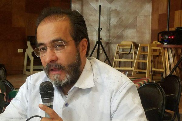 Figuras Independientes, síntoma de salud para  la política nacional, opina René Bejarano