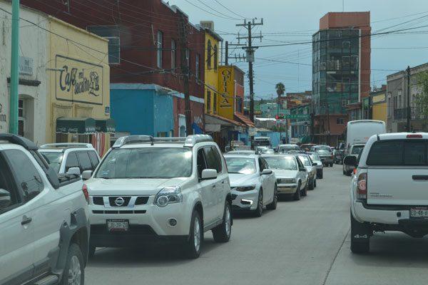 Saturación de vehículos, probable causa del caos vial
