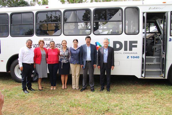 Recibe Escuela Primaria de Allende un camión para el transporte de alumnos