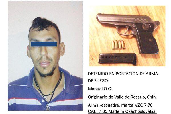 Detienen a hombre que portaba un arma de fuego exclusiva del Ejército