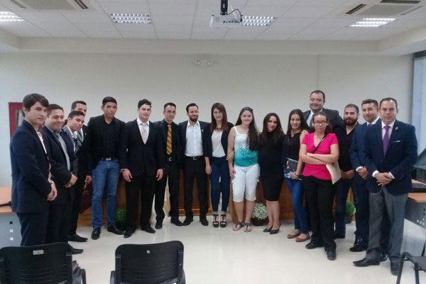 Premian a los 5 jóvenes que representarán a Parral en el Debate Político Juvenil Estatal