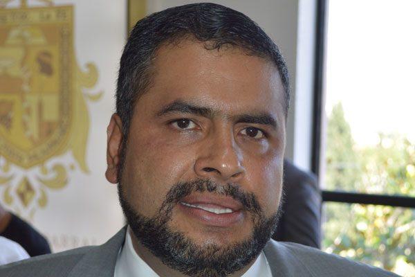 Incongruente la negativa de partidos a donar presupuesto de campañas para  damnificados: Edil