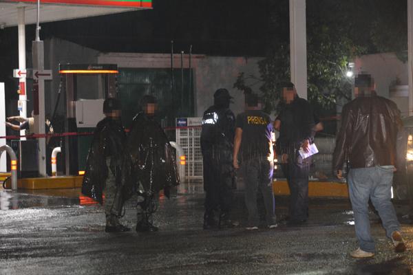 Atacan a balazos a policías de Allende