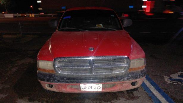 Aseguran vehículo robado en la carretera Jiménez-Gómez Palacio