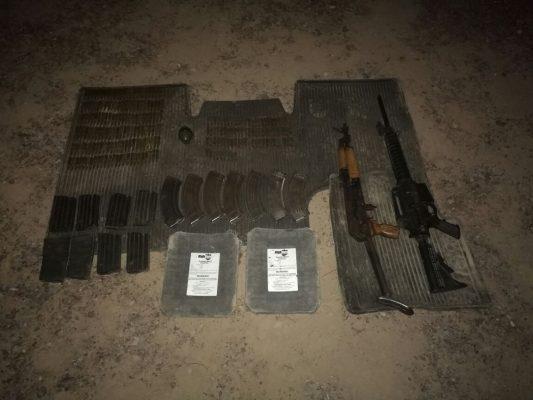 Aseguran vehículos robados, cartuchos y armas en Villa Ahumada