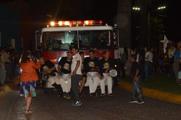 Festejan Mineros de Parral campeonato con desfile