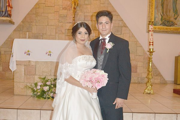 Se Unieron en Matrimonio Religioso Marianna Hernández Andrade y Alain Delval Villalobos
