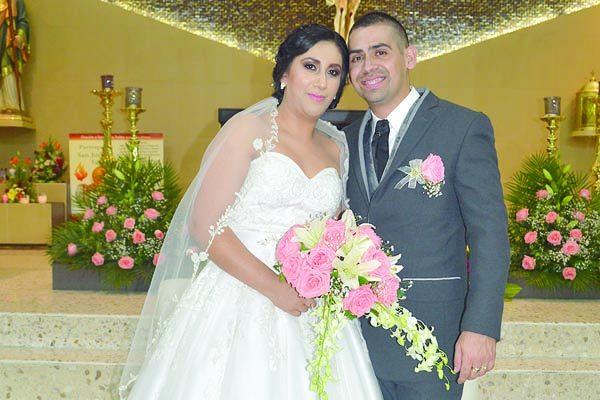 Se Unieron en Matrimonio Religioso Angélica Gutiérrez y José Sáenzpardo
