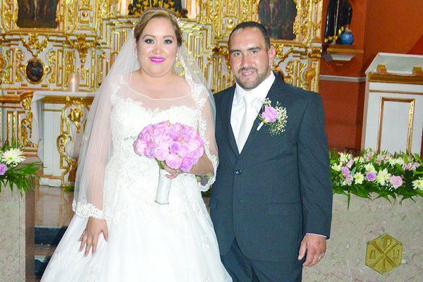 Elegante Enlace Matrimonial Protagonizaron Brenda Blanco y Emmanuel Ortiz