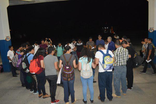 Despiden a voluntarios  parralenses que apoyarán  luego del sismo en México