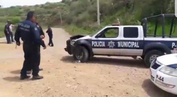 Se impacta vehículo contra unidad de la Policía municipal
