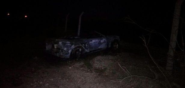 Encuentran dos vehículos abandonados y con impactos de bala en carretera Jiménez – López