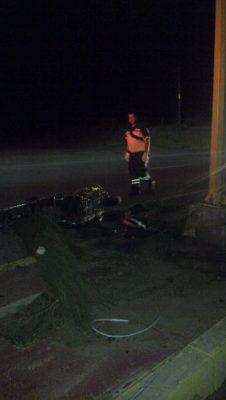 Muere motociclista al chocar en la vía corta, a la altura de Santa Rosa