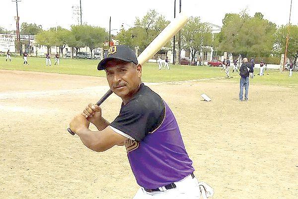 Dorados con un pie en la segunda ronda del nacional de beisbol súper máster