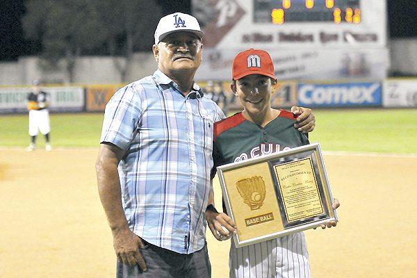 """Miguel """"Mano"""" Muñoz y Alberto Soto pronostican que Parral será campeón en seis juegos"""