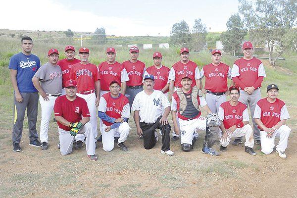 """Piluyo"" García apaleó a Santa Bárbara en beisbol de veteranos"