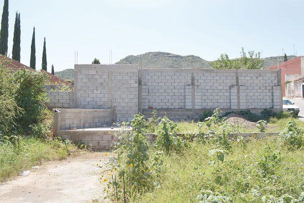Suspenden construcción en terrenos cerca de arroyos