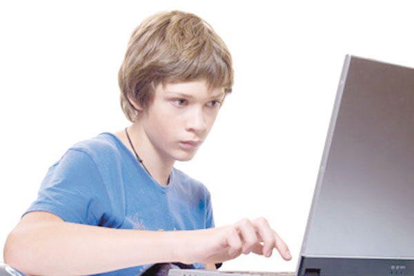 Páginas falsas, peligro en la red para los adolescentes