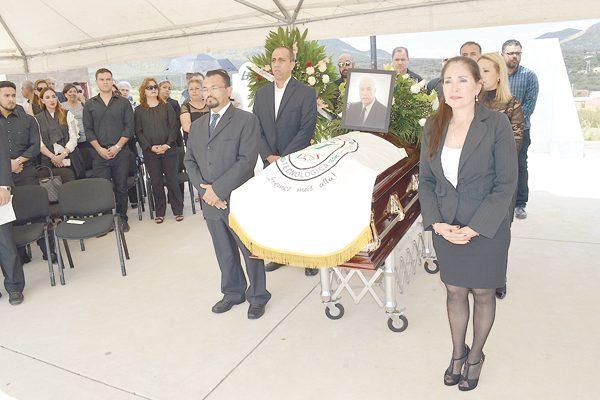 Rinden homenaje de cuerpo presente ITP y UTP al ingeniero Leonel Gildardo Loya