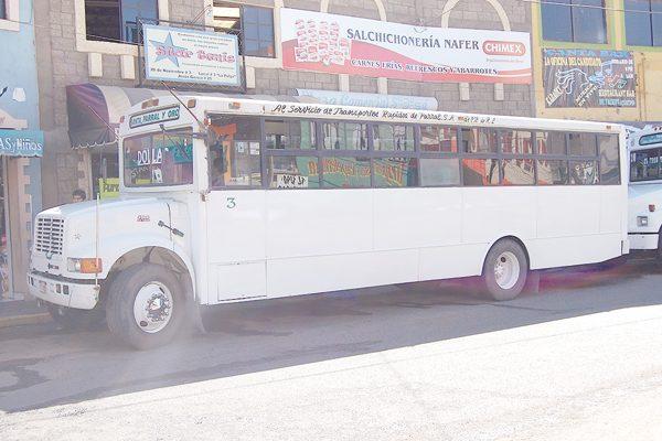 Sancionan a dos autobuses de Santa Bárbara y El Oro por subir y bajar pasaje dentro de la ciudad