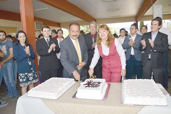 Progreso a través de los años; festeja el Instituto Tecnológico 42 aniversario