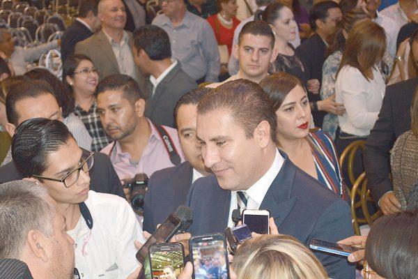 El PAN debe definir un proceso democrático, dice Moreno Valle