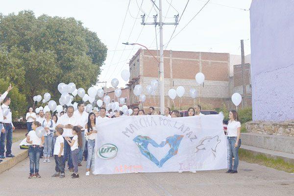 Alumnos de la UTP en Marcha por la Paz