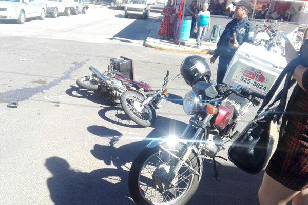 Choque en la Av. Juan  Rangel y calle Cuarta