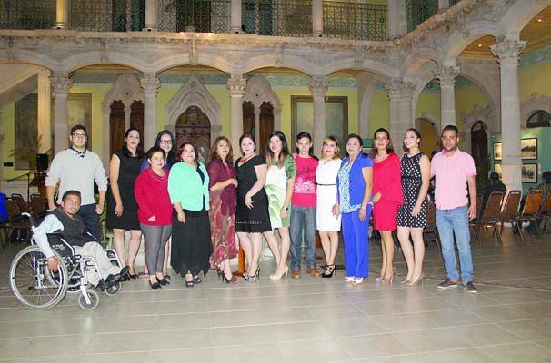 Entregan en el Palacio Alvarado Certíficados a Gestores y Promotores Culturales