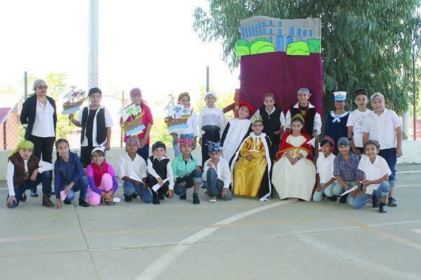 """En la Escuela Primaria """"Manuel Acuña"""" Celebran Aniversario del Día de la Raza"""