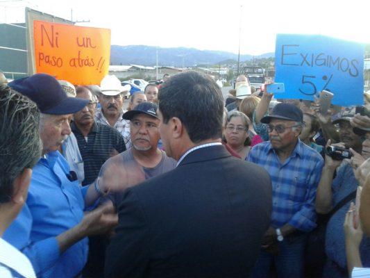 El Gobernador Corral atiende a ex mineros