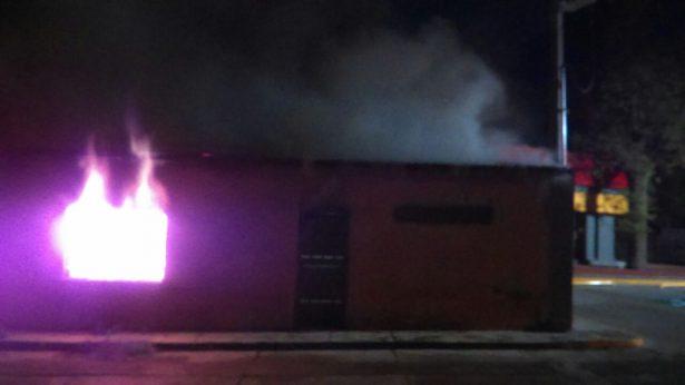 Se incendia casa habitación en Valle de Allende
