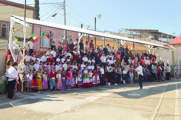 Celebran el 13 de Septiembre y  Aniversario de Nuestra Independencia En la Escuela Primaria Ma. Brisia Rodríguez