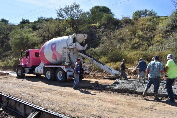 Empresa de pavimentación se une a la causa de la lucha contra el cáncer de mama