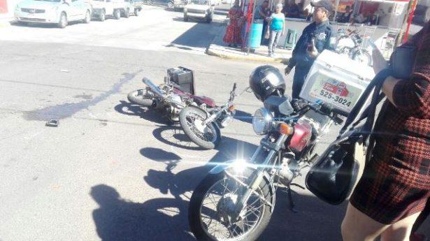 Choque en la Juan Rangel y Cuarta; Camioneta contra Moto