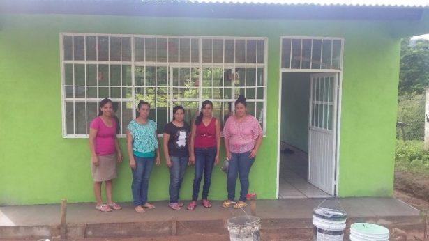 Construyen aulas para mejorar la calidad de la educación en el municipio
