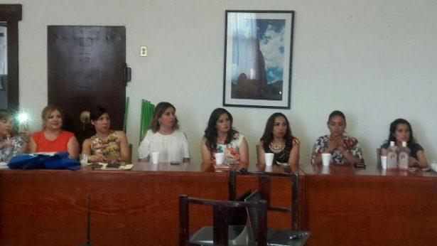 Las mujeres de Guadalupe y Calvo reciben diferentes capacitaciones para mejorar su economía