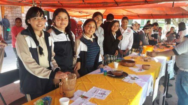 Celebran con muestra gastronómica en Guadalupe y Calvo
